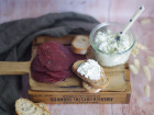 Ferme Chambon - Petit Assortiment Pour L'apéro : Bresi Et  Fromage Frais Ail Et Persil