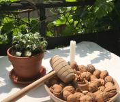 La Malle w. Trousseau - Casse-noix avec Assiette et Maillet