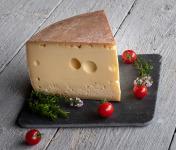 Les Fermes Vaumadeuc - Grand-Madeuc - Au lait cru entier de vache - Affinage 6 mois - 1000g