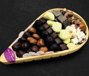Maison du Pruneau - Assortiment Pâques Pruneaux Et Chocolats - Claie Agenaise Bois 800g