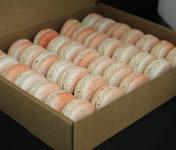 Les Macarondises - 35 Macarons Sucrés-salés Oignons Confits Au Vin Rouge