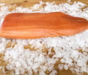 Qwehli - Filet entier de Saumon fumé tranché - 1 Kg