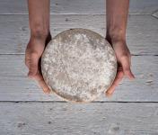 Les Fermes Vaumadeuc - Tomme du Vaumadeuc - Au lait cru entier de vache - Affinage 3 mois - 1600g