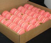 Les Macarondises - 35 Macarons Fraise Combava