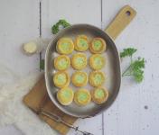 Limero l'Escargot Mayennais - Lot De 5 Assiettes De 12 Mini Bouchées D'escargots Gros Gris Garnies Au Beurre Bourguignon