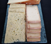 La Finarde - Raclette De Savoie Lait Cru À L'ail Des Ours
