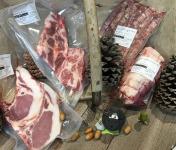 """Marie et Nicolas REY - Domaine REY - [Précommande] Colis """"Quercus"""" de Viande Fraîche de Porc Noir de Bigorre AOP - 2.5kg"""