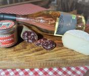 Charcuterie Mannei - Apéro au Porc Noir Corse, Patrimonio Blanc et Fromage de Chèvre au lait cru