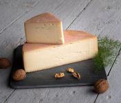 Les Fermes Vaumadeuc - Val-Doré - Au lait cru entier de vache - Affinage 2 mois - 430g