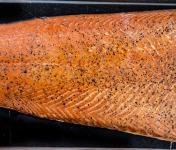 Fumaison Occitane - Filet de Saumon Fumé À Chaud (1 Kg, Mini 12 Portions)