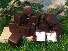 Totale Gourmandise - Guimauve Framboise Enrobée De Chocolat Noir