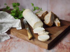 Ferme du caroire - Bûche fermière fraîche au lait cru de chèvre