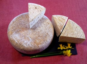 Ferme Les Bruyères - Lot Gourmand: 1 Munster Fermier Bio + 2 Morceaux De Tomme Au Choix