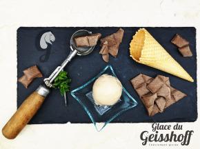 Glace du Geisshoff - Chocolat Lacté Caramel Crème Glacée Fermière au Lait de Chèvre 750 ml