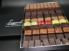 Philippe Segond MOF Pâtissier-Confiseur - Boite De Chocolats Artisanaux 930g