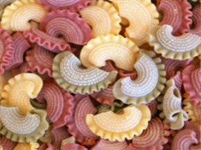 L'Atelier à Pâtes - Trio Coloré De Crêtes De Coq Sèches Nature, À La Betterave Et Aux Épinards