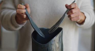 Atelier Eva Dejeanty - Service de Vaisselle Céramique (Grès) : Saladier, Fourchette, Cuillère Modèle Cellule
