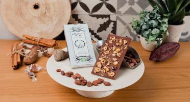 Le Petit Atelier - Tablette De Chocolat Au Lait Bio Aux Noisettes Caramélisées