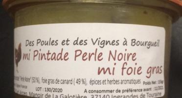 Des Poules et des Vignes à Bourgueil - Mi Pintade Perle Noire  Mi Foie gras