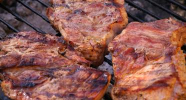 Gourmets de l'Ouest - Panier repas grillade 4-6 Personnes / camembert / Kouign Amann