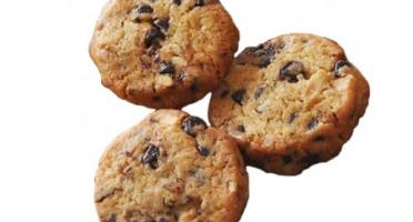 Compagnie Générale de Biscuiterie - Le Croquant de la Noisette Enrobée de Caramel Alliée aux Pépites de Chocolat Noir