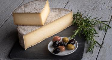 Les Fermes Vaumadeuc - Tomme du Vaumadeuc - Au lait cru entier de vache - Affinage 3 mois - 800g