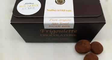 Maison Boutarin - Truffes chocolat et ail noir dans un ballotin pour préserver tous les arômes