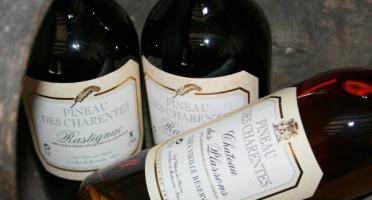 Château des Plassons - 1 Pineau Jeune Blanc + 1 Pineau Jeune Rouge + 1 Pineau Très Vieille Réserve Blanc