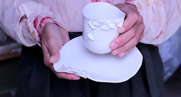 Atelier Eva Dejeanty - Assiette en porcelaine Eclosion M