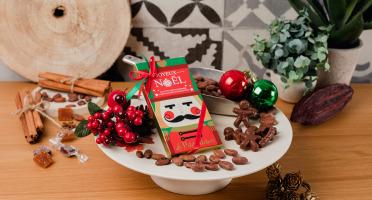 Le Petit Atelier - Petits Sujets De Noël Au Chocolat Au Lait Bio