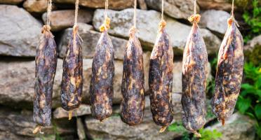 """Domaine du Catié - Saucisson de Porc Magalica """"la Grume du Catié"""""""