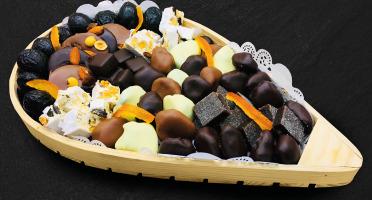 Maison du Pruneau - Assortiment Noël Et Fêtes Pruneaux Et Chocolats - Claie Agenaise Bois 1,1kg