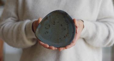 Atelier Eva Dejeanty - Service de Vaisselle en Céramique (Grès) : 4 Assiettes Modèle Cellule Taille XS