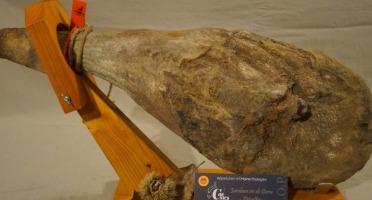 Charcuterie Mannei - Jambon Sec de Corse - Prisuttu - AOP - de Porc Nustrale Entier à l'Os - Affiné 32 Mois