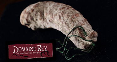 Marie et Nicolas REY - Domaine REY - Saucisson Noir de Bigorre AOP