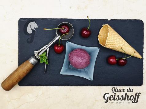 Glace du Geisshoff - Cerise Amarena Crème Glacée Fermière au Lait de Chèvre 750 ml