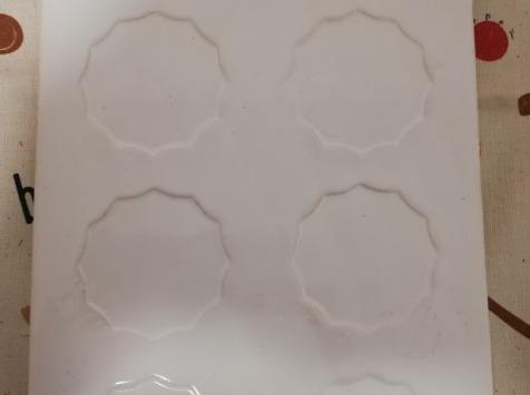 Les Cannelés d'Audrey - Plat À  Cannelés En Céramique Blanc