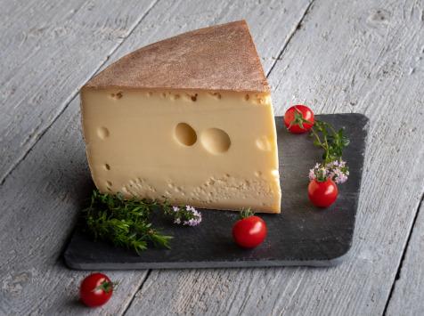 Les Fermes Vaumadeuc - Grand-Madeuc - Au lait cru entier de vache - Affinage 6 mois - 500g