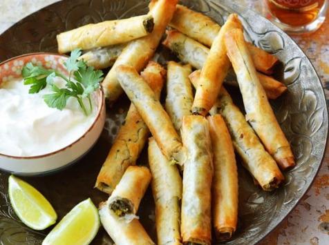 Graines Précieuses - Cigares À La Fêta Aop, Olives Kalamata, Menthe Fraîche Et Thym Sauvage.