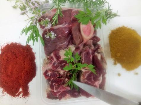 Ferme du caroire - Viande découpée pour ragoût,colombo,pot Au Feu,massalé,curry 500g