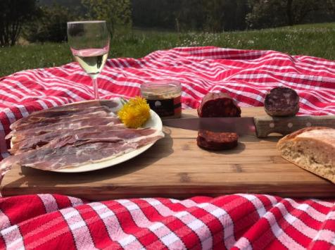 Marie et Nicolas REY - Domaine REY - Apéro Prestige de Porc Noir de Bigorre AOP
