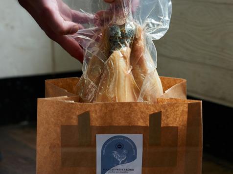 La Cuisine des Belles Volailles - Chef Antoine Westermann - Volaille Race Gauloise Pochée lentement au Bouillon - Prête à rôtir - 1,6 kg