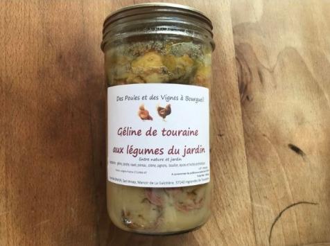 Des Poules et des Vignes à Bourgueil - Géline De Touraine Aux légumes du jardin
