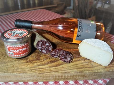 Charcuterie Mannei - Apéro au Porc Noir Corse, Patrimonio Rosé et Fromage de Brebis au lait cru