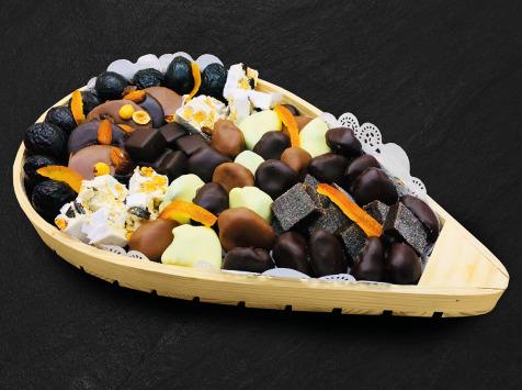Maison du Pruneau - Assortiment Pâques Fêtes   Pruneaux Et Chocolats - Claie Agenaise Bois 1,1kg