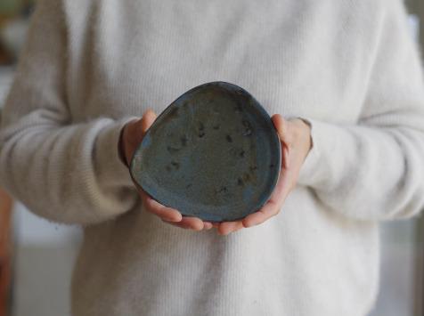 Atelier Eva Dejeanty - Service de Vaisselle en Céramique (Grès) : 2 Assiettes Modèle Cellule Taille XS