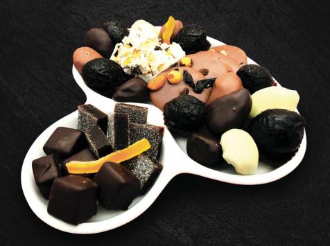Maison du Pruneau - Assortiment Noël Et Fêtes Pruneaux Et Chocolats - Assiette Raffinée 650g