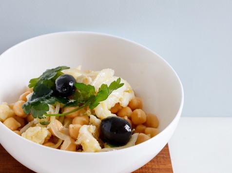 CANELAS - Salada de Bacalhau Com Grão de Bico