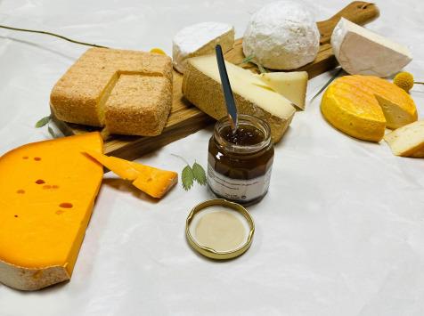 La Fromagerie Sainte Godeleine - Coffret de la Côte d'Opale - 6 Fromages + 1 Confit Mirabelle - Cumin - 2,3 kg