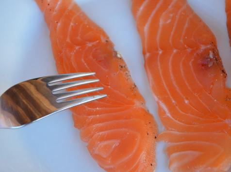 Maison Matthieu - Filet entier de saumon fumé au poivre timut - 1kg